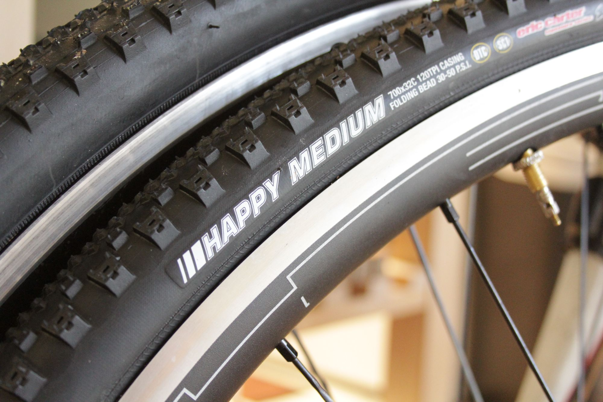 Kenda Happy Medium tyres
