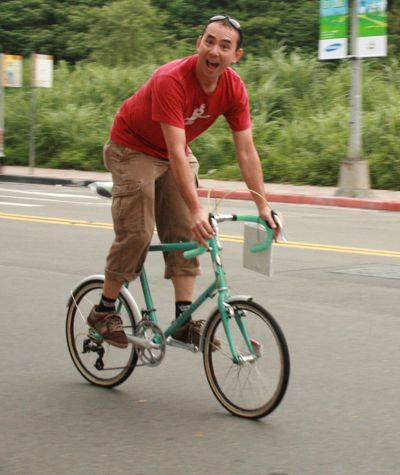 cyclelicious on a Bianchi mini 2.jpg