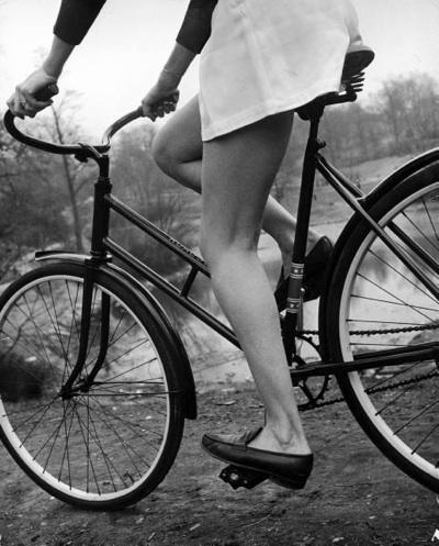 legs_1945.jpg