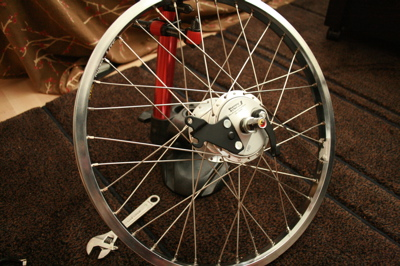 Iris' sturmey archer wheel 02.jpg